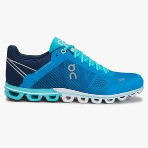 On Running CloudFlow Shoes